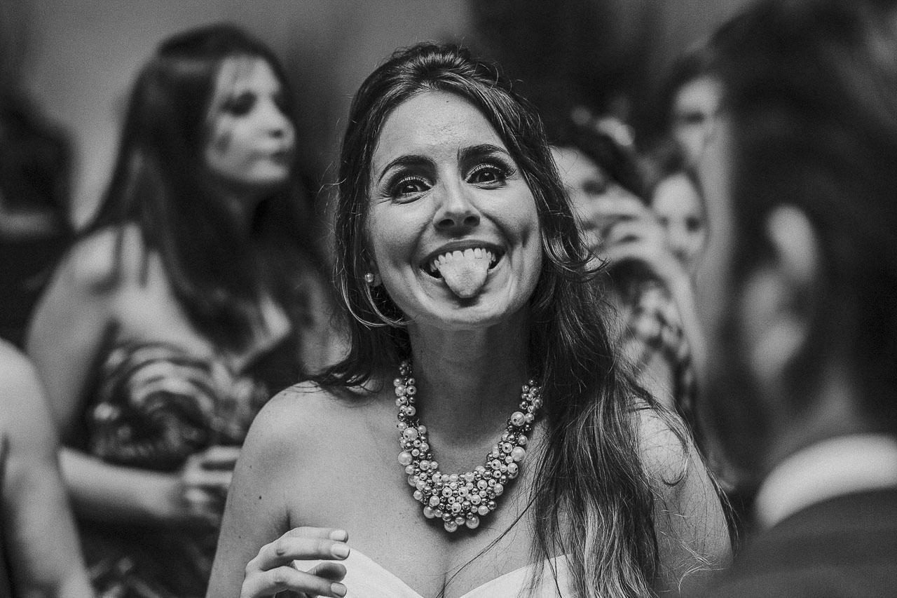 casamento-livia-e-fabiano-lucio-carvalho-fotografo-pocos-de-caldas-passos-mg-fotografia-casamento-noivado-festa-wedding--13
