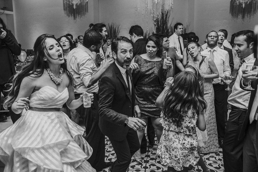 casamento-livia-e-fabiano-lucio-carvalho-fotografo-pocos-de-caldas-passos-mg-fotografia-casamento-noivado-festa-wedding--14
