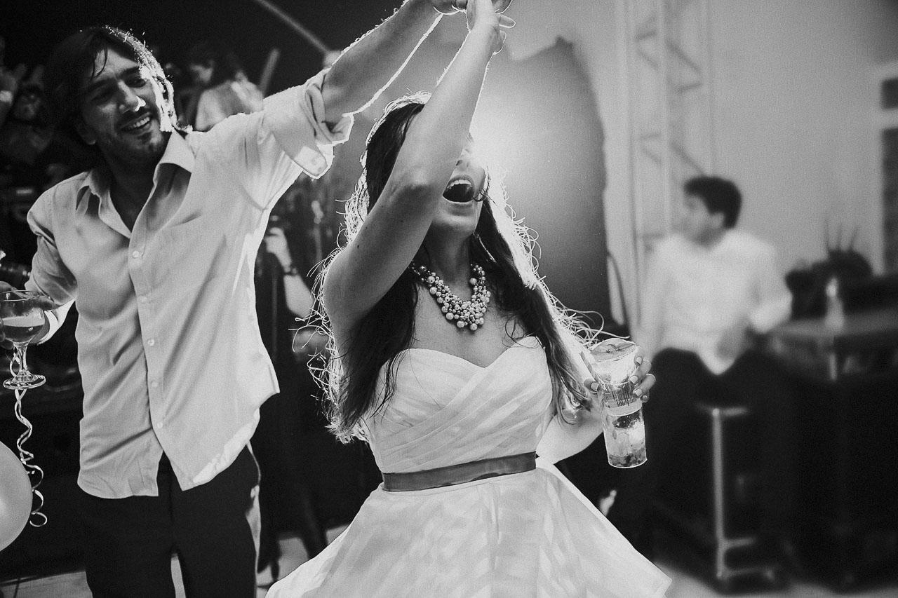 casamento-livia-e-fabiano-lucio-carvalho-fotografo-pocos-de-caldas-passos-mg-fotografia-casamento-noivado-festa-wedding--15