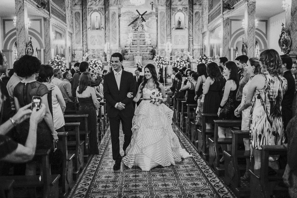 casamento-livia-e-fabiano-lucio-carvalho-fotografo-pocos-de-caldas-passos-mg-fotografia-casamento-noivado-festa-wedding--6