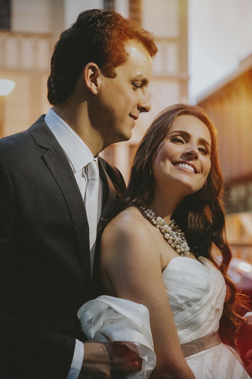 casamento-livia-e-fabiano-lucio-carvalho-fotografo-pocos-de-caldas-passos-mg-fotografia-casamento-noivado-festa-wedding--9