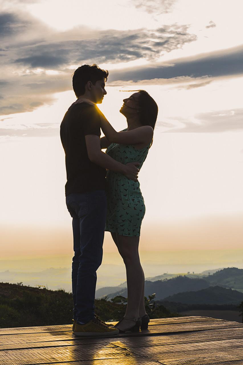 lucio-carvalho-fotografo-fotografia-noivado-ensaio-esession-casamento-wedding-pocos-de-caldas-andre-milena-caldas-pico-do-gaviao-5